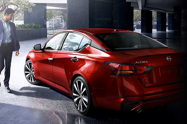 2021 Nissan Altima Exterior seen from behind