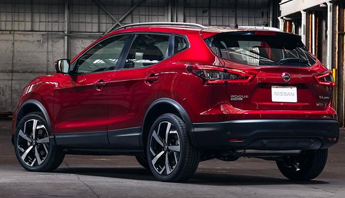 2020 Nissan Rogue Sport rear 3/4