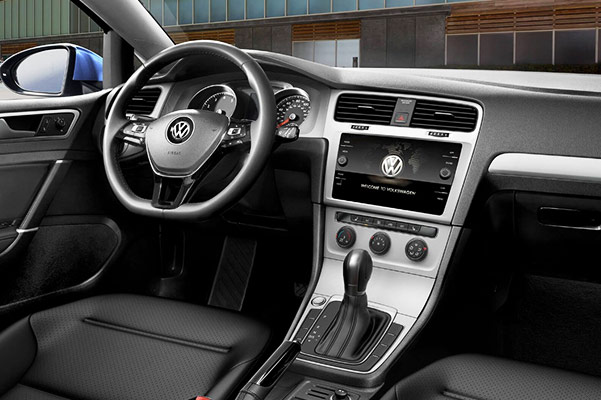 2018 Volkswagen Golf Interior & Technology