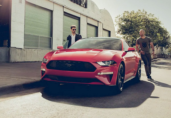 2019 Ford Mustang Center